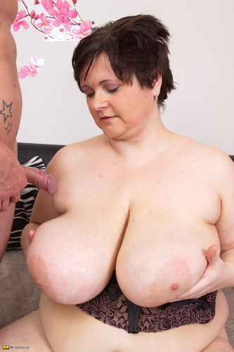 Felicia W. (45) – Mature   Big breasted BBW doing her toyboy