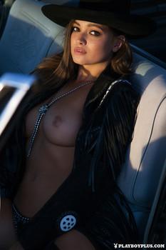 http://img22.imagetwist.com/th/09004/zpwv91wvsj5r.jpg