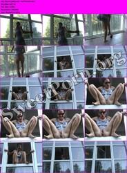 BeatriceMonroe aka Melsinki BeatriceMonroe - Am Fenster Thumbnail
