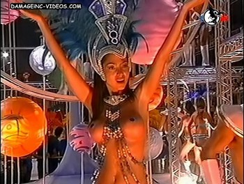 Natalia Fassi almost naked at the carnival video