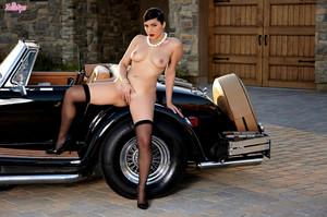 Valentina Nappi in Ti Amo :: May 23, 2015l417fj06zo.jpg