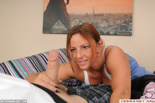 Maturehandjobs Porn 31